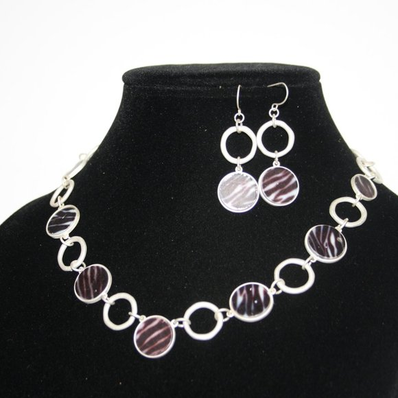 Silver and zebra necklace and earrings set
